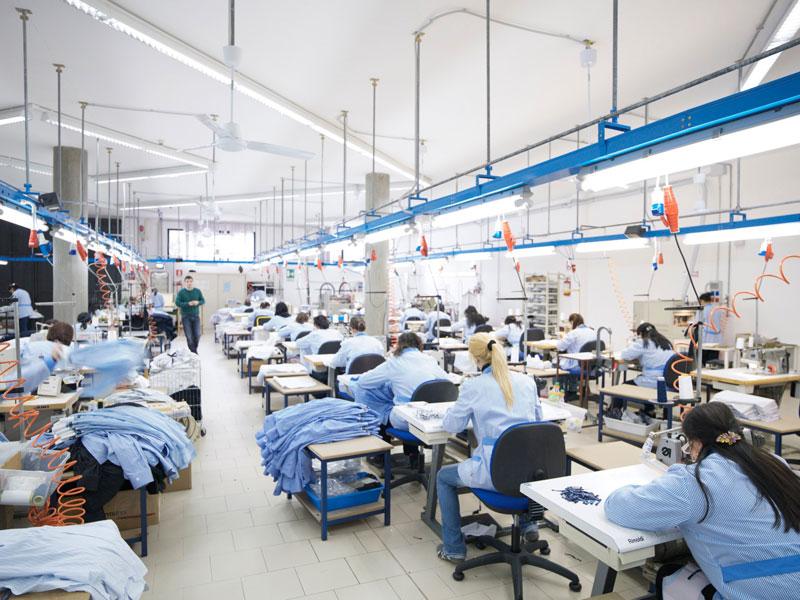 on sale e2bfe 7107b Camiceria Carucci srl, è specializzata nella produzione di ...